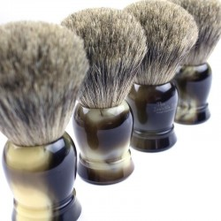 Invisible Edge Faux Horn Pure Badger Brush