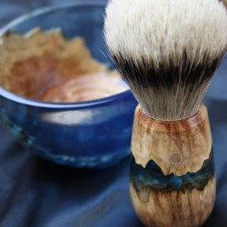 Burl Wood Indigo Blue Shave Bowl and Silvertip Badger Brush